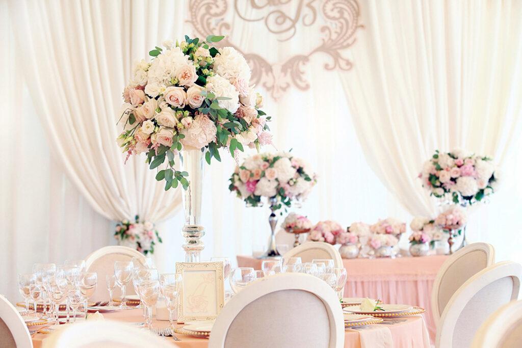 Elevated wedding centerpieces